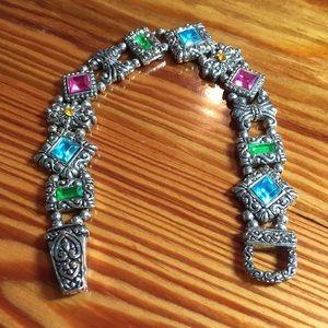 Vintage slide bracelet with magnetic clasp.